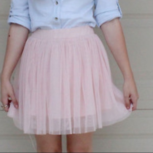 Forever 21 Nude Pink Tulle Mini Skirt size L